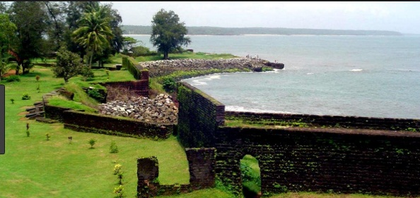Kannur-Cochin-Munnar Tour Package